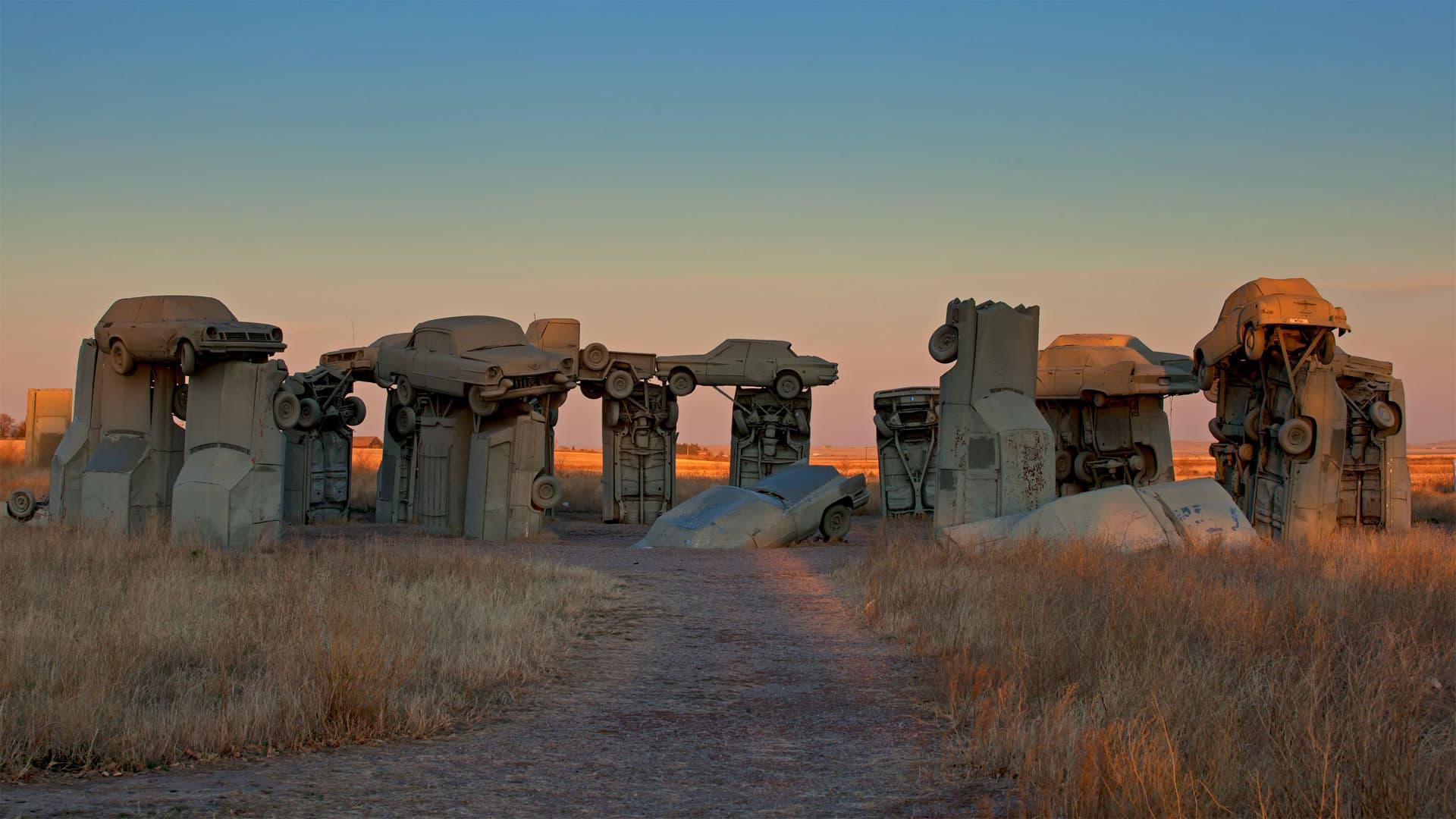 Carhenge, créé par Jim Reinders près d'Alliance, Nebraska
